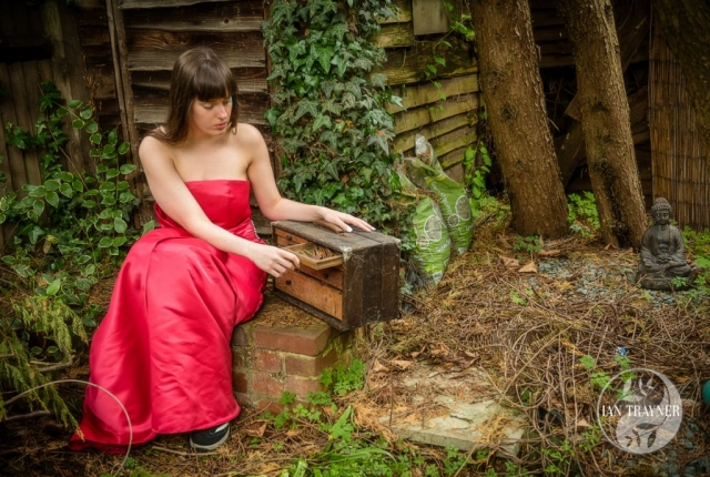 "Location fantasy photo shoot with PortraitX ""Secret Garden"" Opening the drawer"