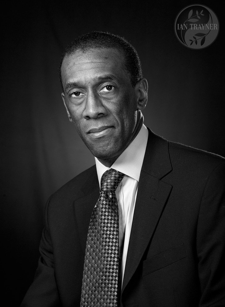 Professional headshots for business and branding. Photo by Ian Trayner.