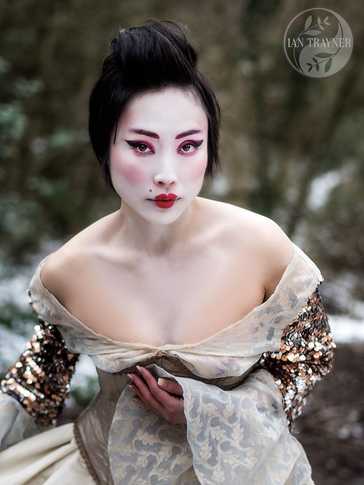 Saya On as beautiful Japanese lady from historical Japan. Cosplay photo shoot on freezing day!