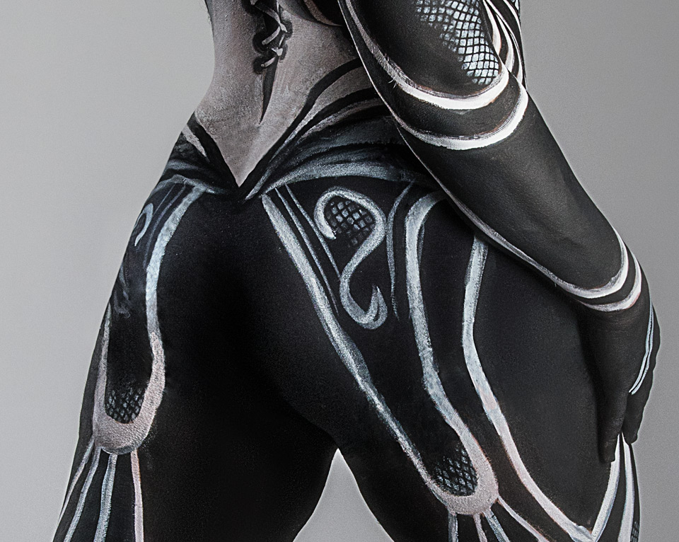 """Body painting by Syfer. The pants have been retouched to make them """"invisible"""""""